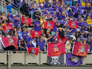 ECU stumbles to Cincy in season finale, 19-16