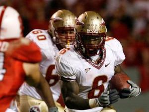 Florida State tailback Antone Smith rushes to the N.C. State secondary on October 16, 2008.