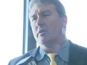 Vic Koenning takes over as defense associate head coach