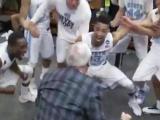 As team advances, Williams dances