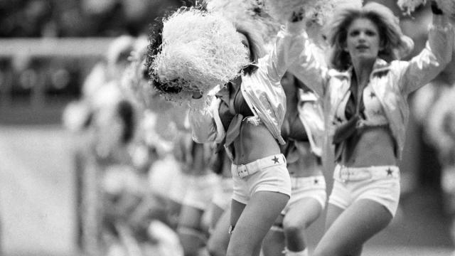 Philadelphia eagles cheerleaders boobs