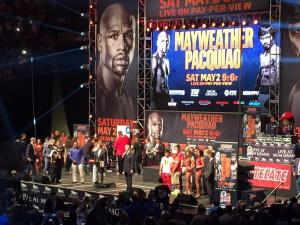 Mayweather, Pacquiao weigh-in before Saturday's prize fight