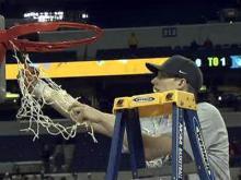 Duke cuts down the nets