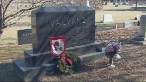 Jim Valvano's grave at Oakwood Cemetary