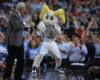 UNC holds off Oregon 77-76 to reach title game