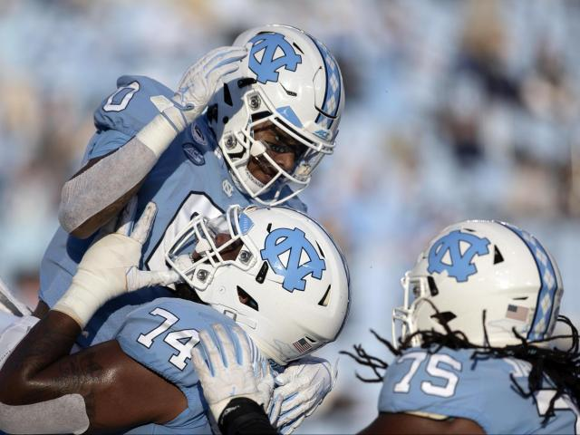 Brownlow's Mailbag: Davis or Scheyer, UNC football's great expectations