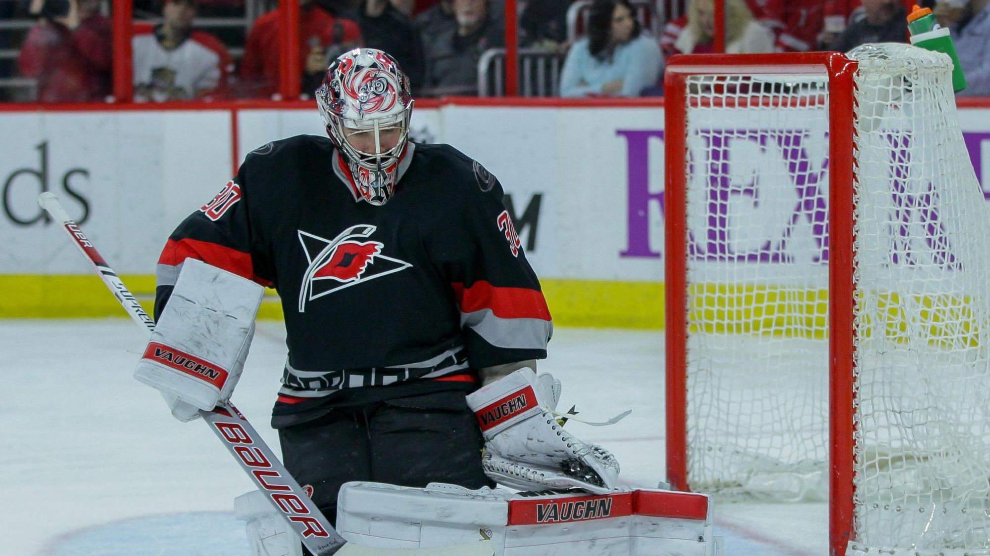 Two quick goals in 3rd put Canes up 3-1 :: WRALSportsFan com