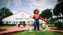 IMAGES: U.S. Open makes it because you buy it